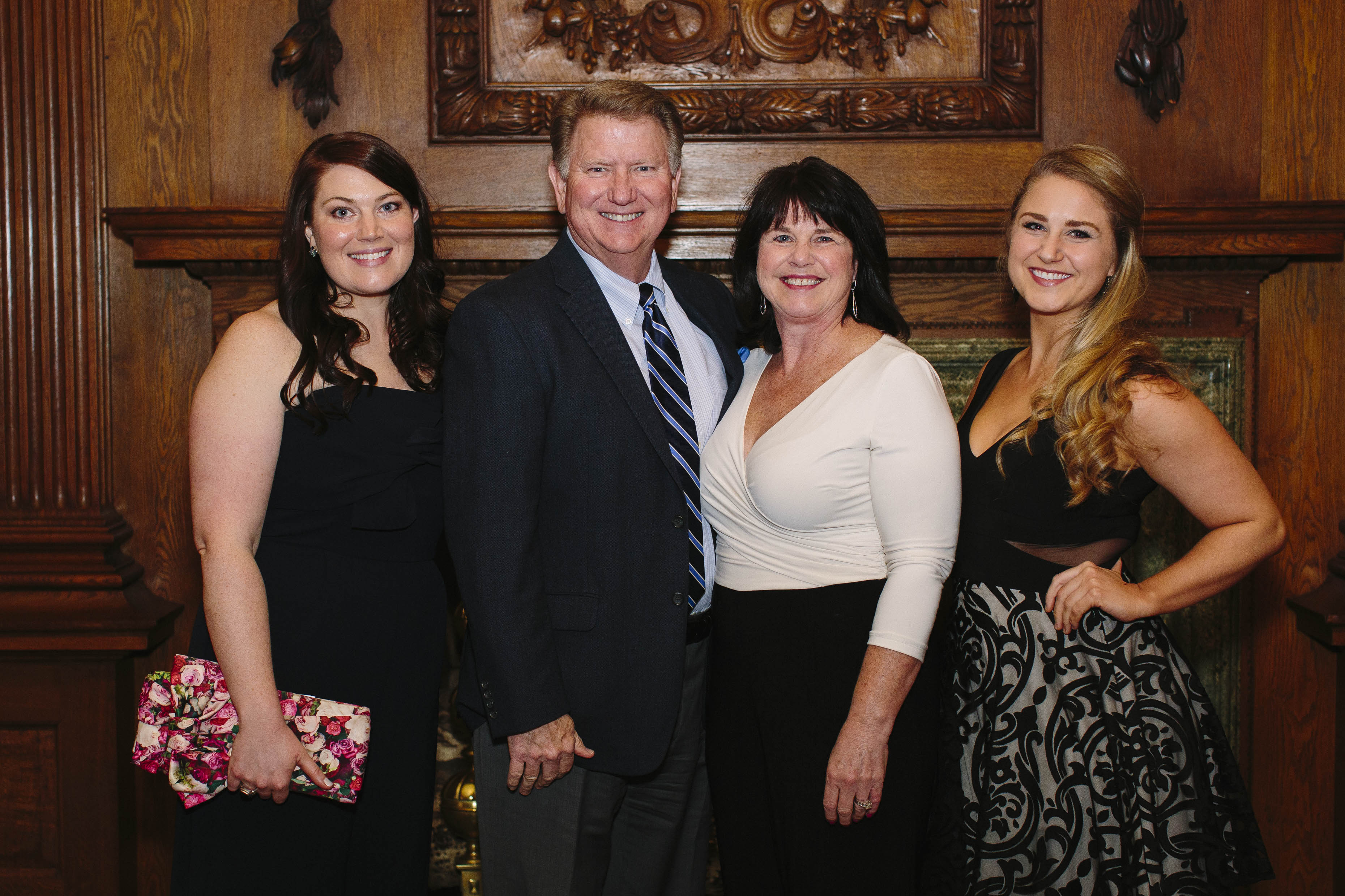 2017 Wine Tasting Chairs Emily and Kelly Lambert with CLO Board Chairman Bill Lambert and wife Sandy