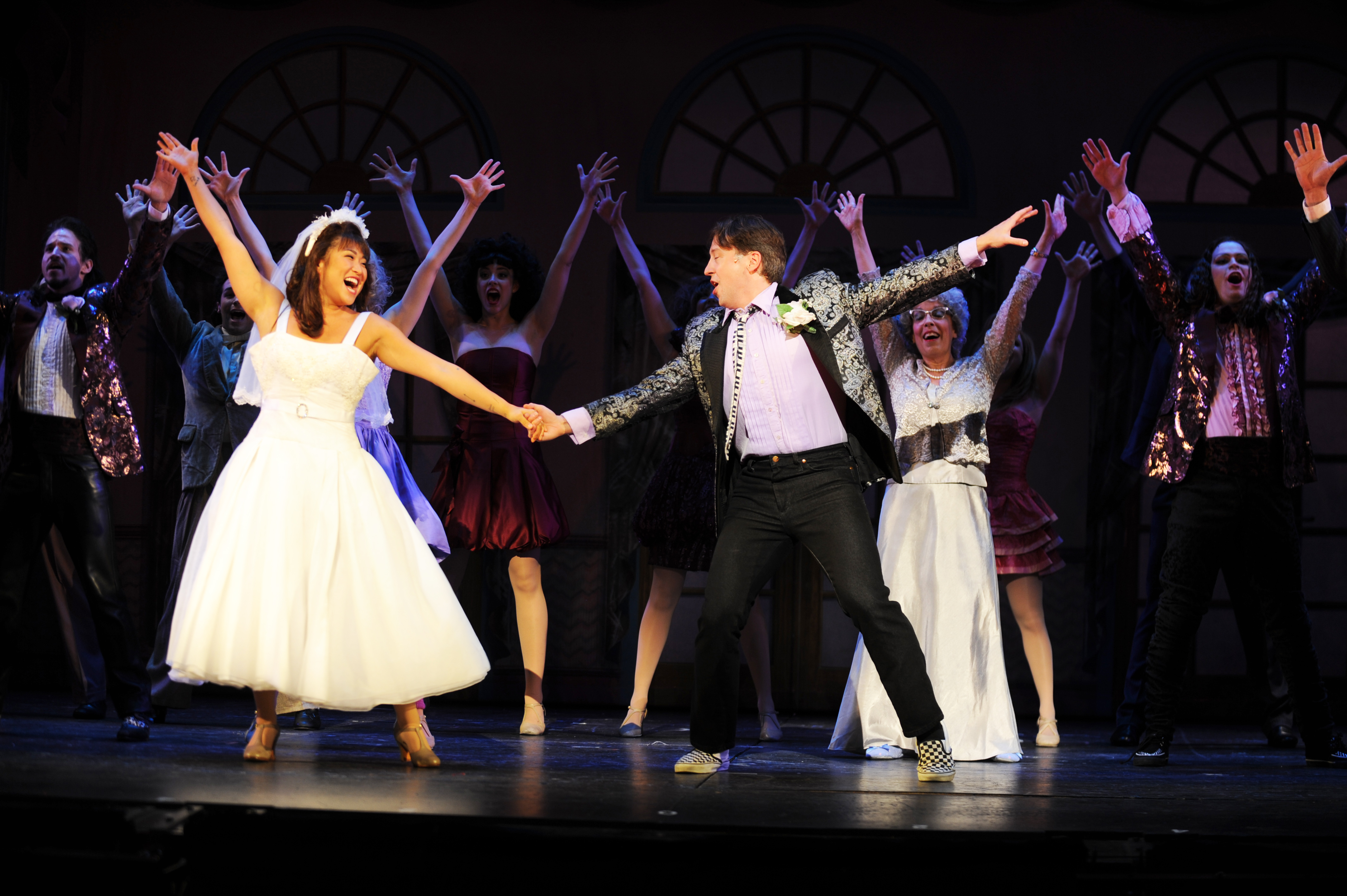 Pittsburgh Post-Gazette review: The Wedding Singer brings high energy and '80s nostalgia